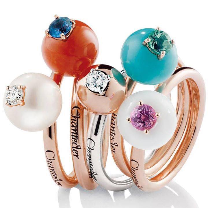 Pearls style diamond rings with color diamonds