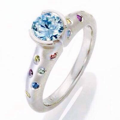 Simple Diamond Ring with color diamonds